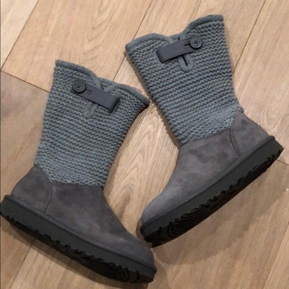 4e2cd3c1adc New with box gray shaina ugg boots size 7 NWT